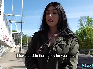 Public Agent Cash tempts busty American Amilia Onyx to fuck