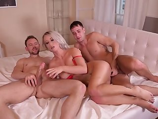insatiable pierced anal lover licky lex double penetrated un
